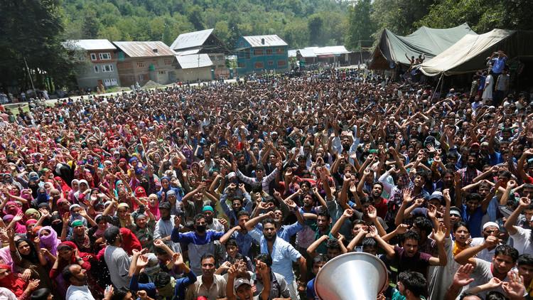 مقتل 5 محتجين في اشتباكات مع الشرطة الهندية بكشمير
