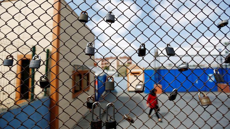 تركيا تفرج عن سجناء عاديين لإخلاء مكان للانقلابيين