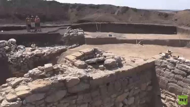 العثور على معالم قلعة يونانية أثرية في القرم