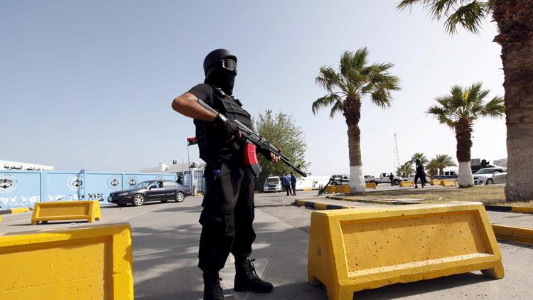 مجموعة مسلحة تقطع الاتصالات في ليبيا