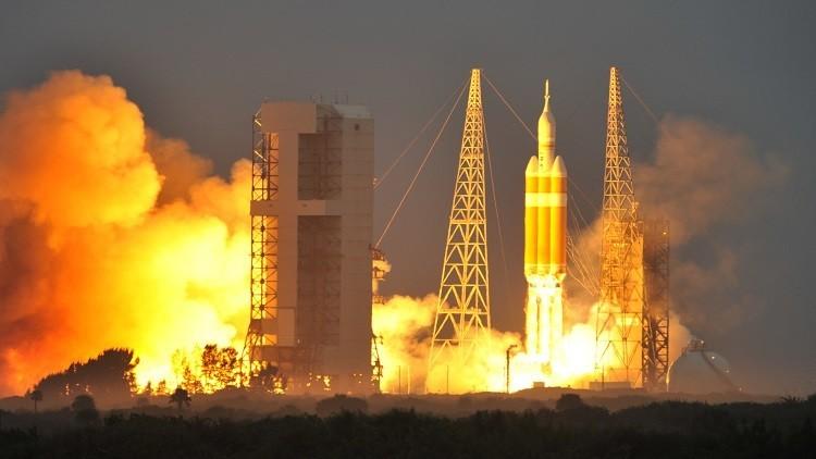 أمريكا تطلق صاروخًا يحمل قمري تجسس اصطناعيين