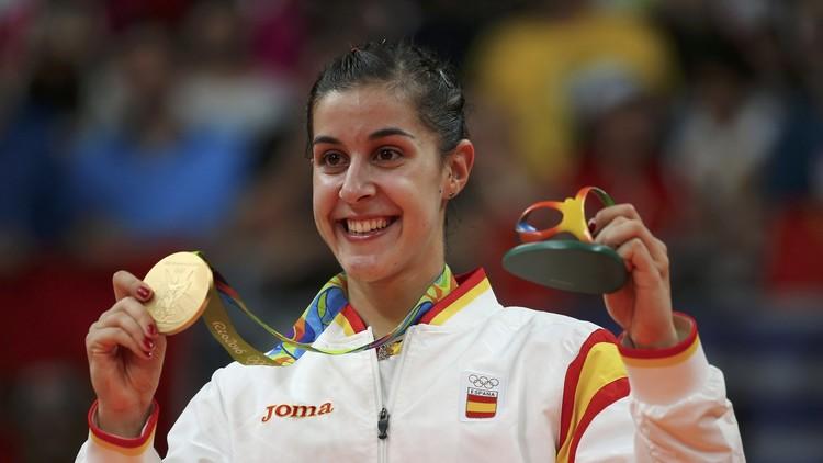 الإسبانية مارين تتوج بذهبية فردي السيدات في الريشة الطائرة