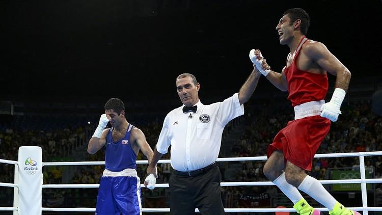 الملاكم الروسي آلويان يكتفي بفضية ريو