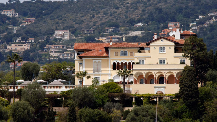 سعر بيع خيالي لقصر فرنسي