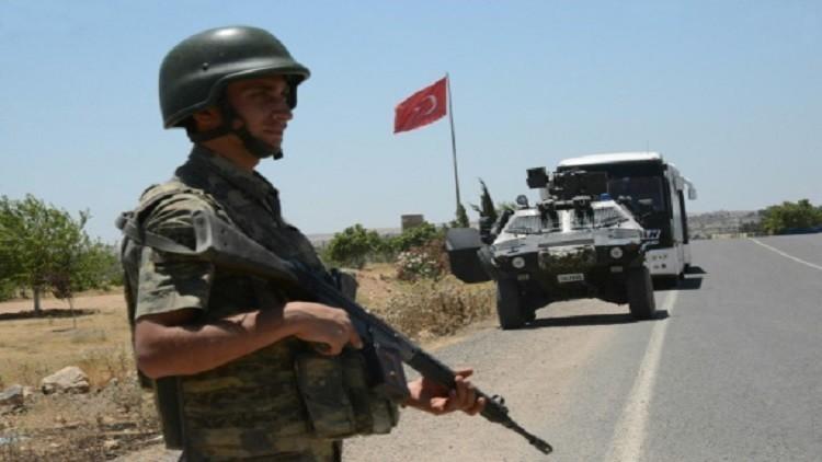 إصابة ثلاثة من أفراد الشرطة ومقتل جندى تركي في اشتباكات مع مسلحين أكراد coobra.net