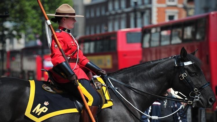 كندا تسمح بالحجاب لنساء شرطة الخيالة