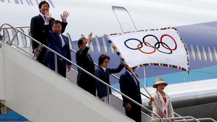 العلم الأولمبي يصل طوكيو عاصمة دورة 2020