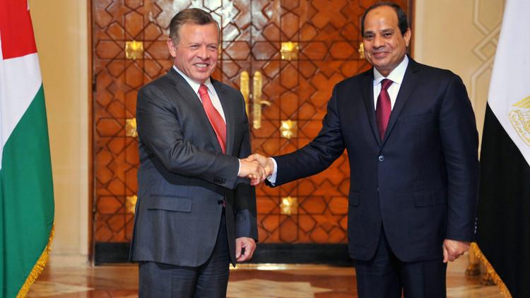 القاهرة وعمان تدعوان إلى حل يحفظ وحدة سوريا