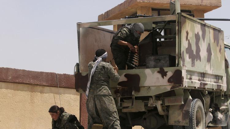 كيري: أكراد سوريا ينسحبون إلى شرق الفرات