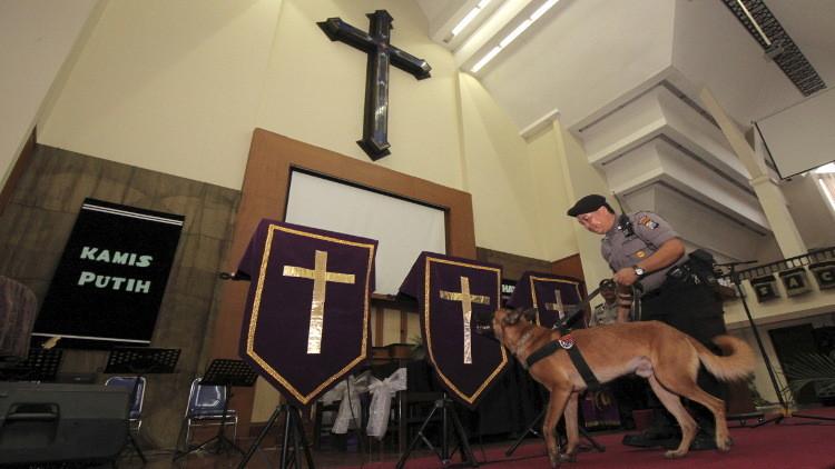 هجوم يشتبه بأنه إرهابي على كنيسة في إندونيسيا
