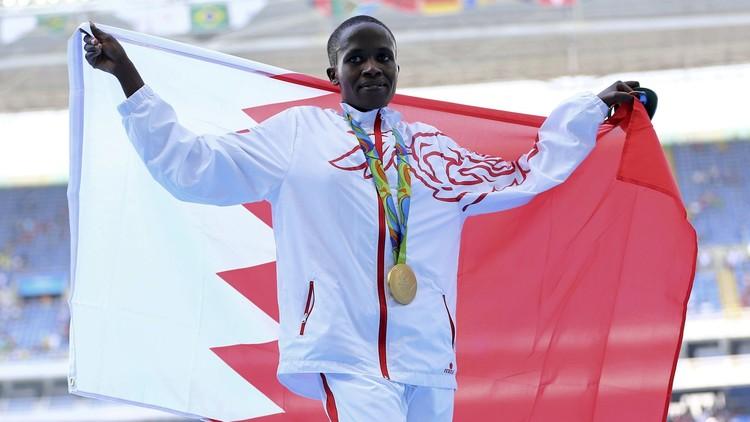 البطلة الأولمبية البحرينية تحطم الرقم العالمي في الموانع