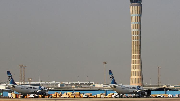 وفد خبراء روس يصل القاهرة ويفحص حطام الطائرة الروسية المنكوبة