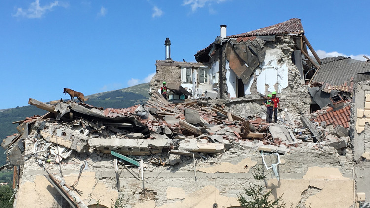 روسيا تمد يد العون لإيطاليا لإزالة آثار الزلزال