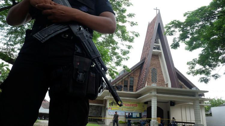 السلطات الإندونيسية: مهاجم الكنيسة مهووس بداعش