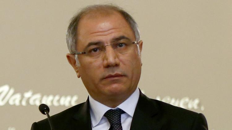 وزير الداخلية التركي يستقيل من منصبه