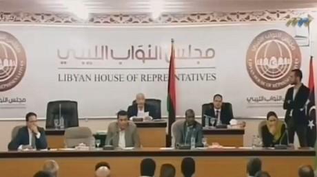 برلمان طبرق يرفض منح الثقة لحكومة السراج