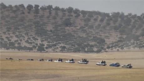 قوات تركية مدعومة بمقاتلين من المعارضة السورية المسلحة تتجه نحو مدينة جرابلس السورية