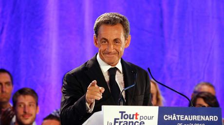 الرئيس الفرنسي السابق نيكولا ساركوزي  خلال أول تجمع مع الناخبين المحتملين نظمه منذ إطلاق حملته الانتخابية (25 أغسطس/آب)