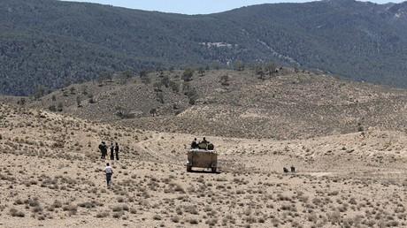 دورية للجيش التونسي على الحدود مع الجزائر