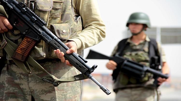 تركيا تفصل 820 عسكريا على خلفية الإنقلاب