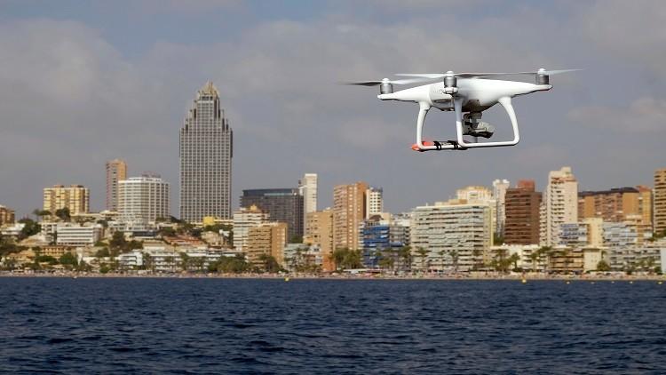 طائرات من دون طيار تحمي منزلك