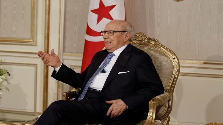 السبسي يطالب بوضع حد لحزب التحرير الإسلامي
