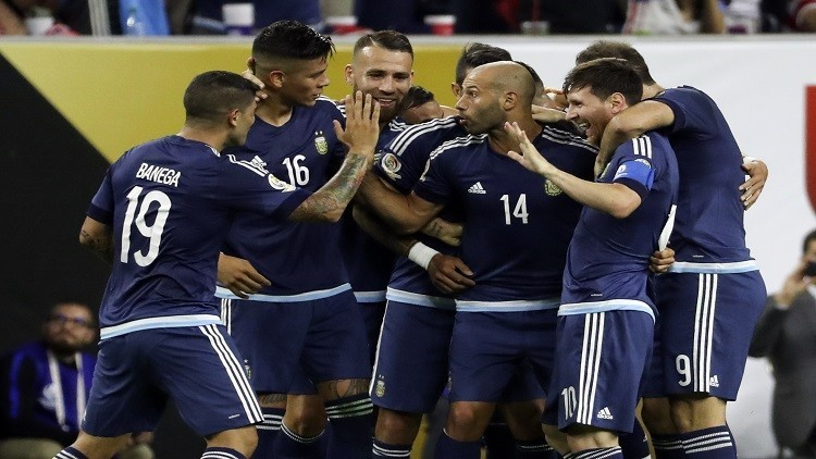 هدف ميسي يمنح الأرجنتين صدارة تصفيات أمريكا الجنوبية