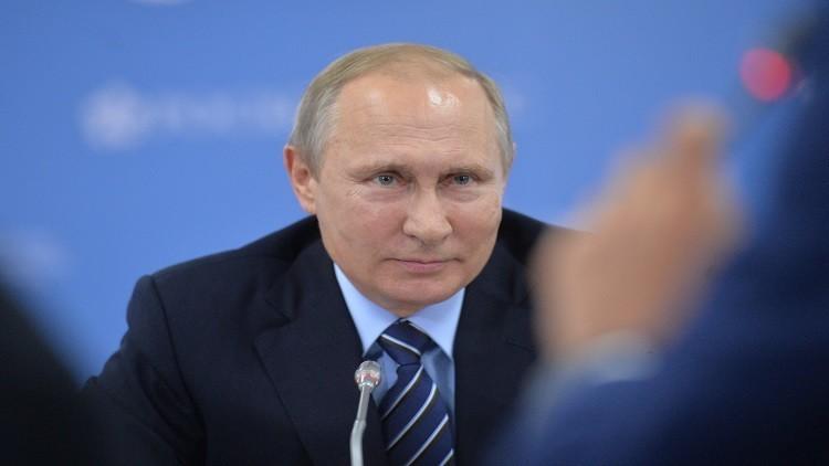 بوتين يدعو لتثبيت إنتاج النفط