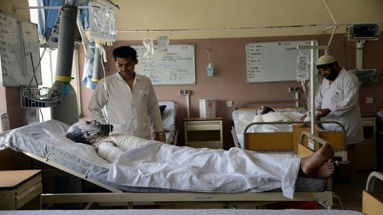 50 قتيلا بأفغانستان في اصطدام حافلة بصهريج وقود