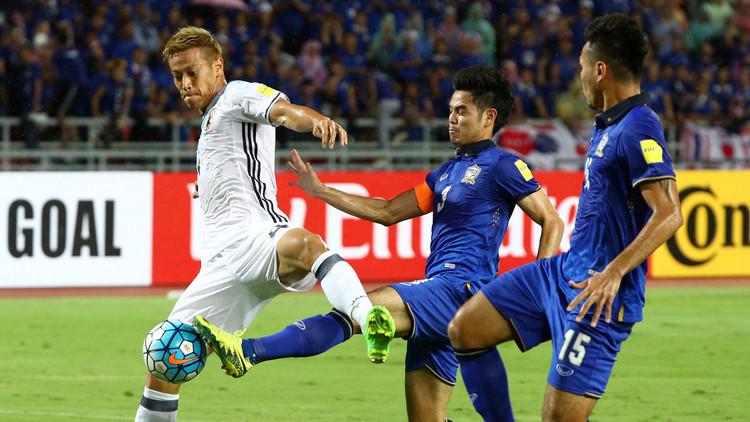 الساموراي الياباني يضمد جراحه بعد موقعة الإمارات