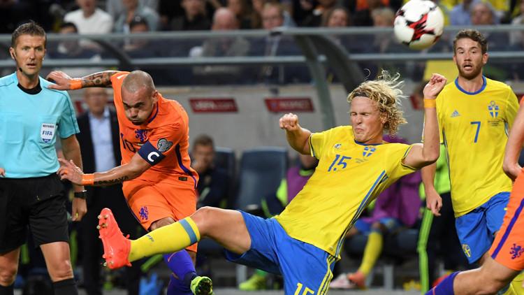 شنايدر ينقذ هولندا من الهزيمة أمام السويد