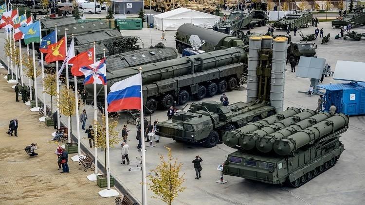 الدفاع الروسية توقع عقودا بـ2 مليار$ أثناء