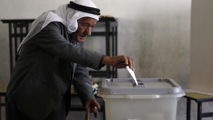 محكمة العدل العليا توقف انتخابات الضفة وغزة.. وحماس ترفض