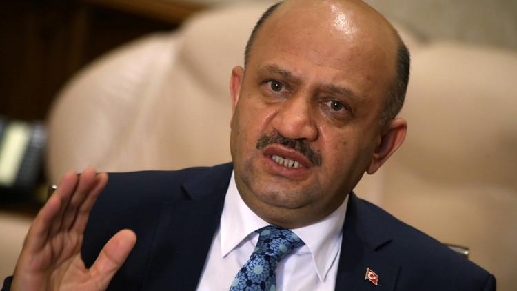 وزير الدفاع التركي: عملياتنا ضد داعش في الرقة يجب ألا تعتمد على الوحدات الكردية فقط