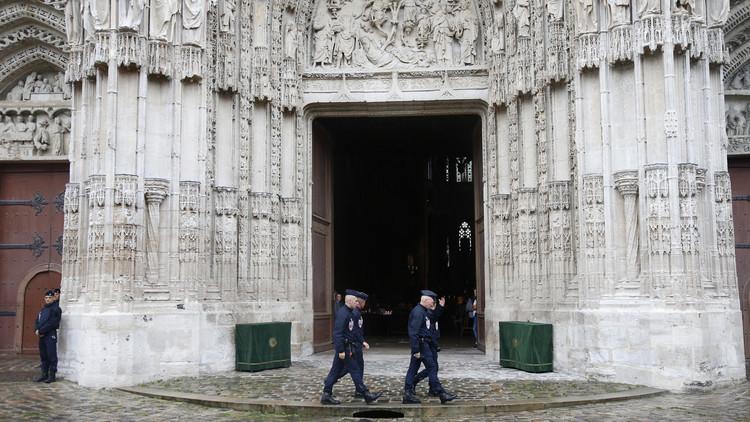 اعتقال نحو 300 شخص في فرنسا بتهمة الإرهاب في  2016