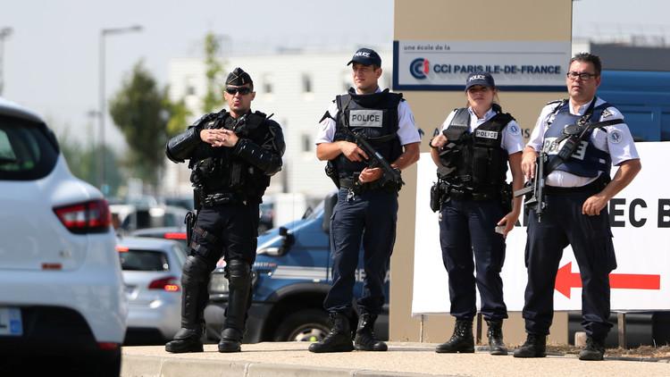 توجيه اتهامات رسمية لمواطنة فرنسية في تفجير سيارة مفخخة وسط باريس