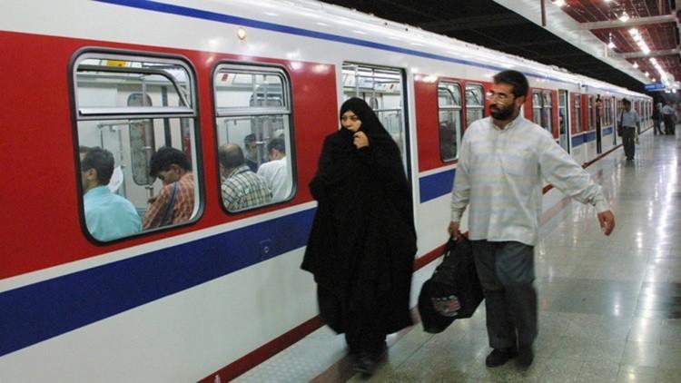بنك روسي يمول تزويد إيران بعربات لسكك الحديد