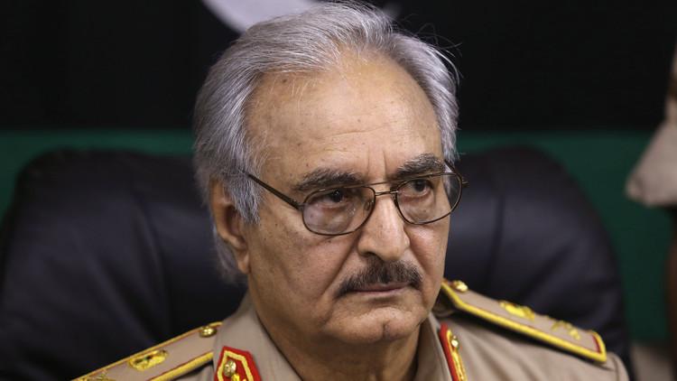 حفتر: سيطرتنا على الموانئ النفطية ليست ضد حكومة الوفاق