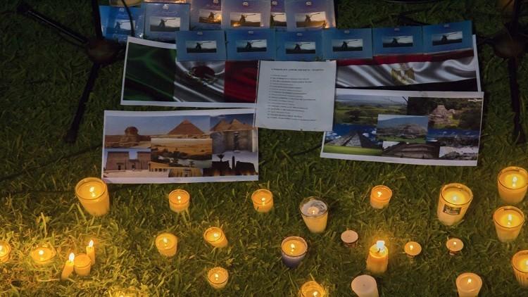 مصر تبني نصبا تذكاريا لسياح مكسيكيين قتلوا العام الماضي