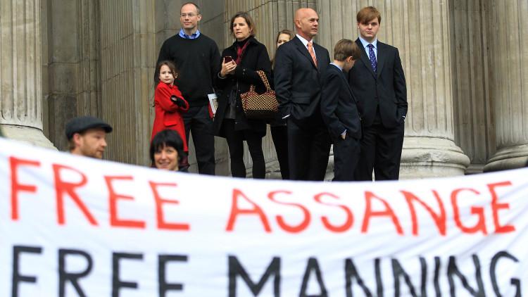 أسانج مستعد للسجن بأمريكا مقابل العفو عن مانينغ