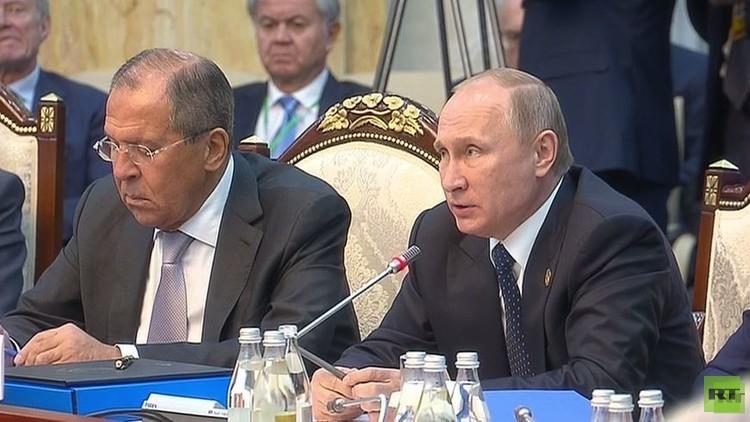 بوتين لسفير أوكرانيا في بيشكك: انضمام القرم لروسيا نتيجة تصرفات كييف الإجرامية
