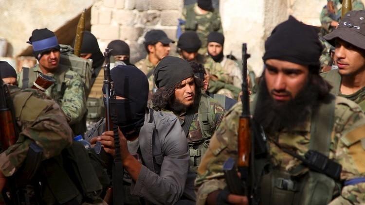 الجيش السوري: الإرهابيون يدفعون بـ5 آلاف مقاتل إلى ريف حماة