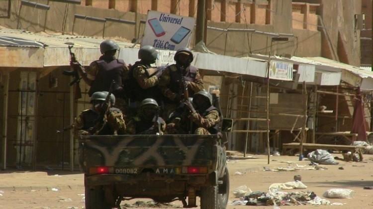 10 قتلى في مواجهات بين موقعي اتفاق مالي