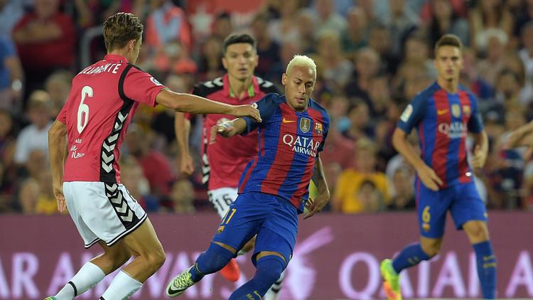 قاهر برشلونة يتعادل على أرضه مع لاكورونيا
