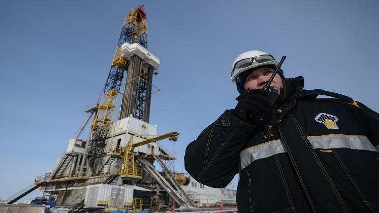 بدء الإنتاج التجاري في حقل للنفط والغاز أقصى شمال روسيا