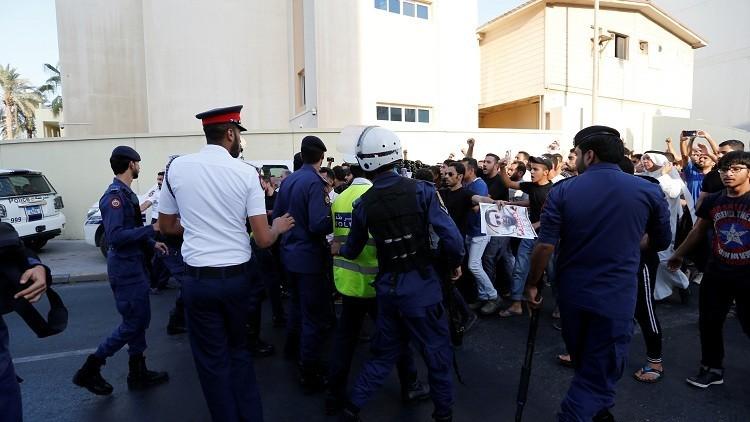مثول 17 بحرينيا أمام القضاء بتهمة تأسيس جماعة إرهابية