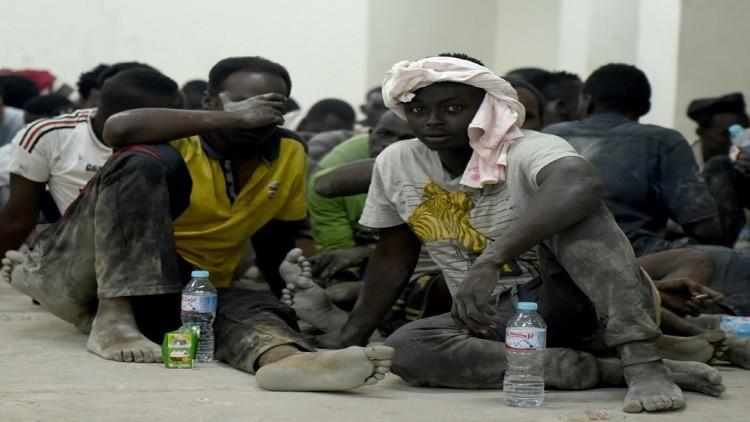 احتجاز طاقم قارب اللاجئين المنكوب شمالي مصر