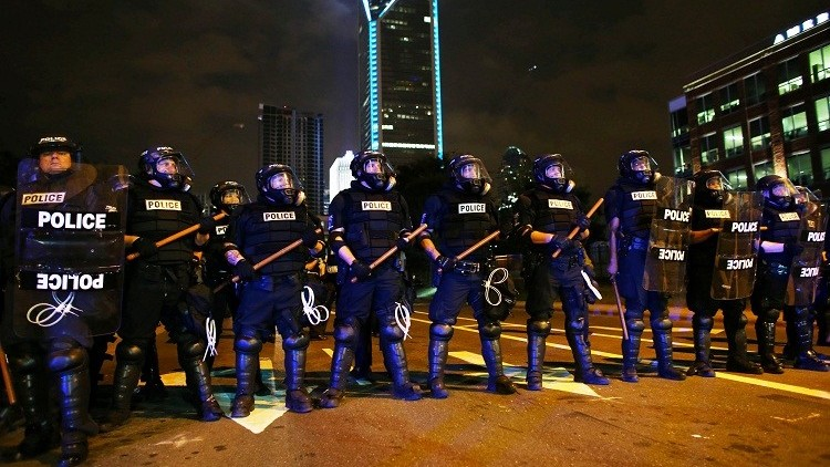 ضغوط على شرطة شارلوت لنشر فيديو مقتل رجل أسود برصاص الشرطة الأمريكية