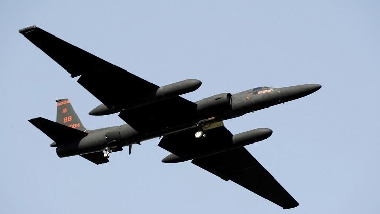 طائرة تجسس أمريكية تبتعد عن إيران بعد تحذير بإسقاطها