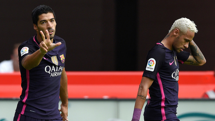 برشلونة يسحق سبورتينغ خيخون